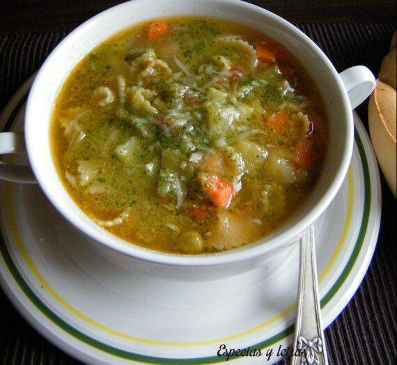 Sopa Minestrone con pesto