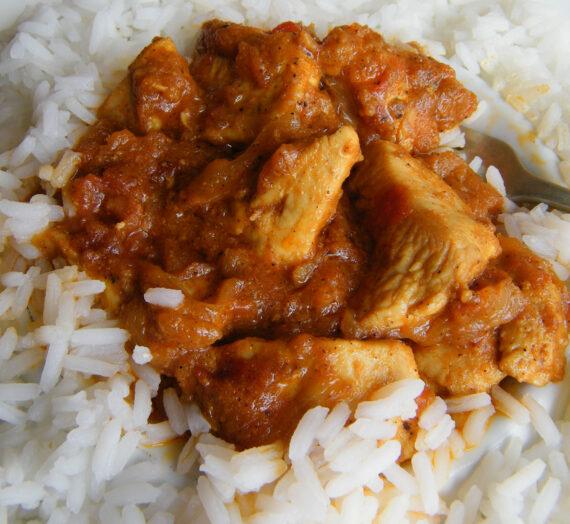Pollo tikka masala con arroz