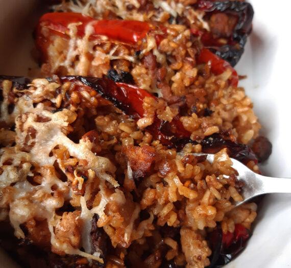 Pimientos rellenos de pollo y arroz